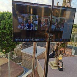 החתונה של מיכל & ליאב, שידור חי של טקס החופה בזום וביוטיוב במקביל, הקלטה של הטקס והקרנת משתתפי הזום בטלוויזיה על יד החופה